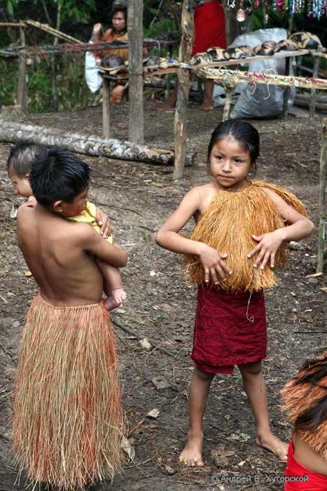 http://khutorskoy.ru/travel/peru/amazon/indians/khutorskoy_ru_101_0214.jpg